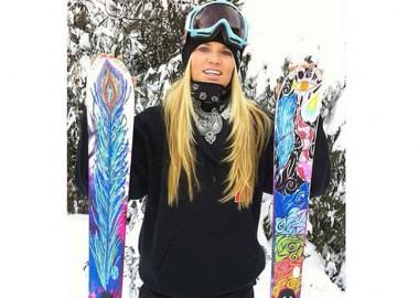 スキーにペイント。