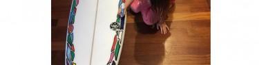 サーフボードで塗り絵。