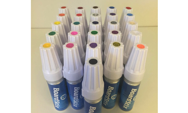 全26色、絵の具のようなペイントペン。