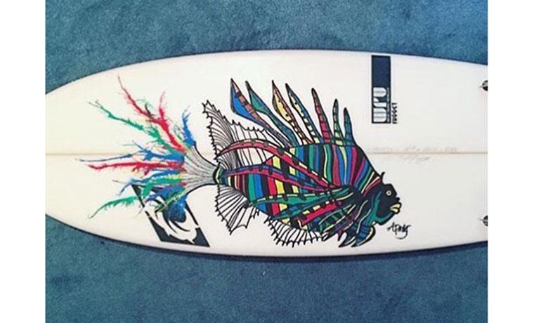 虹色の熱帯魚。