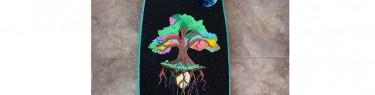 宇宙に映える木。