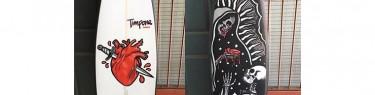 ナイフと死神、2つの不気味なボード。