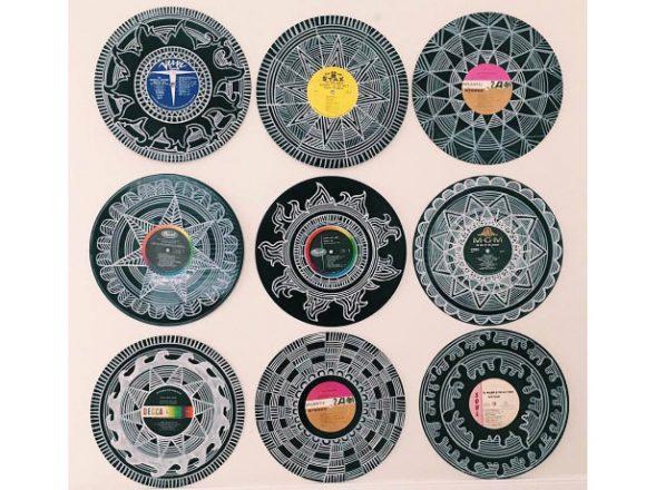 レコードを使ったアート作品。